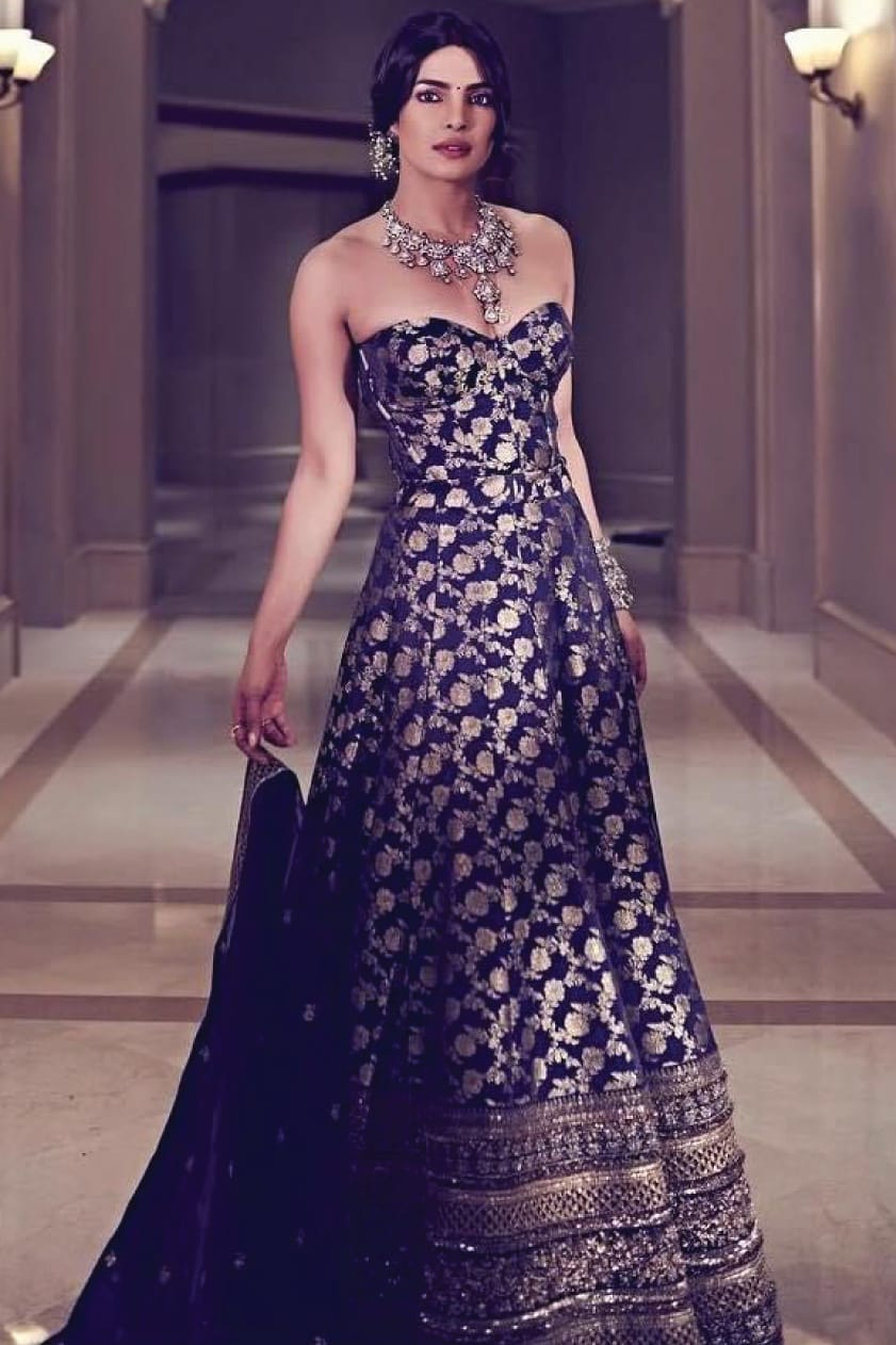 Sabyasachi: Shop Sabyasachi Gowns,Lehengas,Sarees,Sherwani & Bridal Wear  Online| Pernia's Pop-Up Shop
