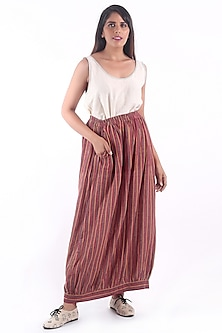 Maroon Front Open Printed Skirt by 3X9T