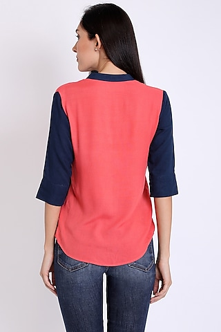 Navy Blue & Coral Color Blocked Shirt by 3X9T