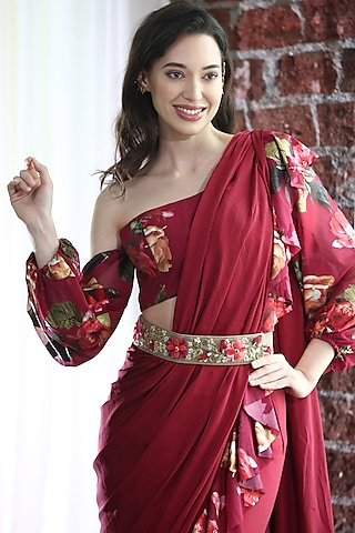 Maroon Embroidered Pre-Stitched Saree Set by Gunu Sahni