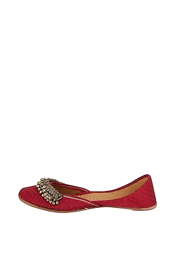 Red Juttis With Ghungroos by 5 Elements