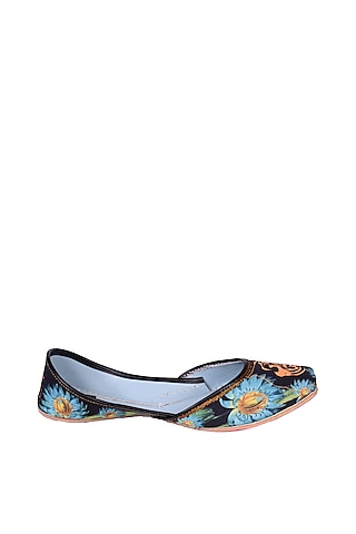 Multi Colored Leo Digital Printed Juttis by 5 Elements
