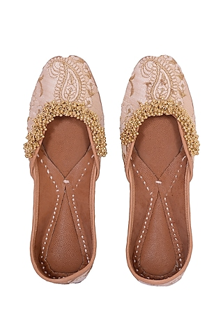 Beige Floral Embroidered Juttis by 5 Elements