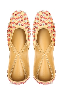 Light Gold Sequins Embroidered Juttis by 5 Elements