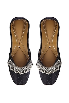 Black Leather Juttis With Ghungroos by 5 Elements
