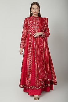 Red Embroidered Anarkali Set by 5X by Ajit Kumar