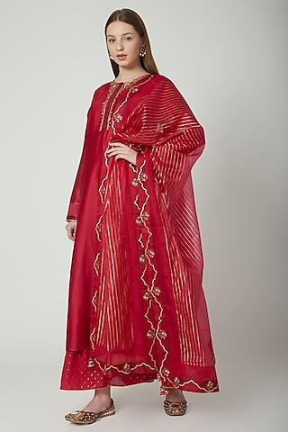Red Embroidered Kurta Set by 5X by Ajit Kumar