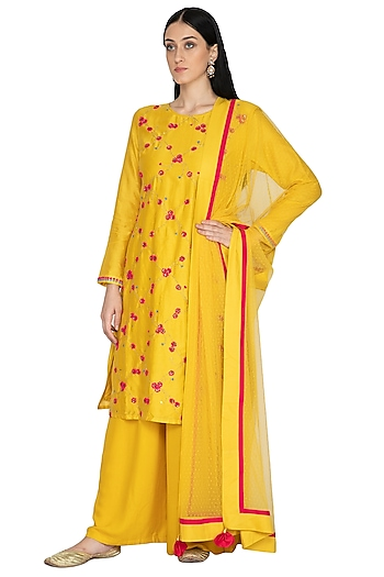 Mustard Embroidered Tunic Set by 5X by Ajit Kumar