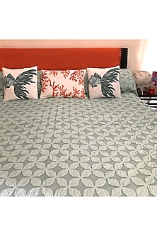 English Green Applique Bedcover by Karmadori