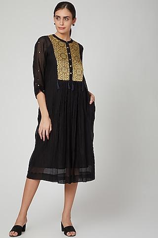 Black Pleated & Embroidered Kurta Dress by Aavidi
