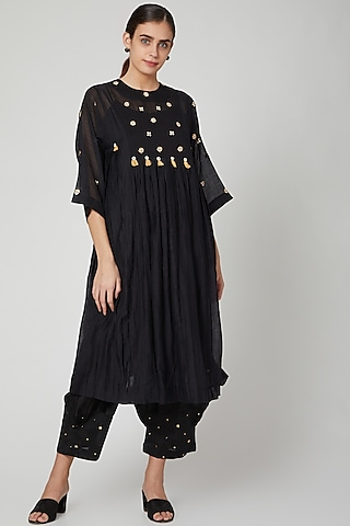 Black Embroidered Kurta With Pants by Aavidi