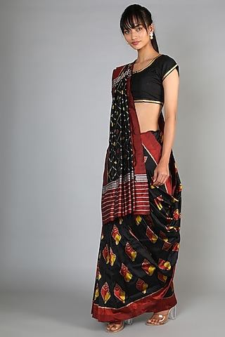 Black Mulberry Silk Single Weft Ikat Saree Set by Abir Pal