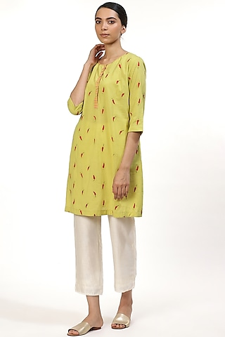 Lime Embroidered Kurta by Abraham & Thakore