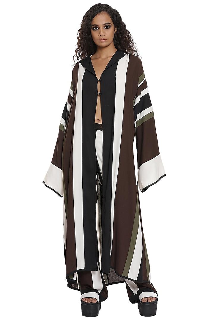 Black & White Crepe Kimono Jacket Set by Abraham & Thakore