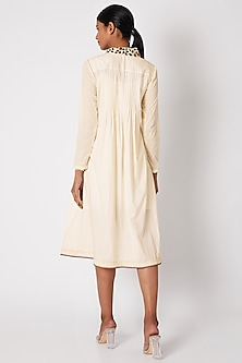 White Tunic With Embroidered Collar by Adah