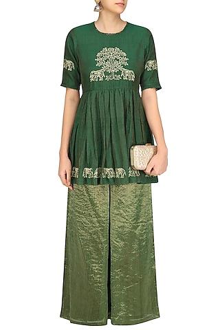 Emerald Green Embroidered Short Kurta Set by Aekatri by Charu Vij