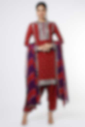 Maroon Georgette Kurta Set by anuradha grewal