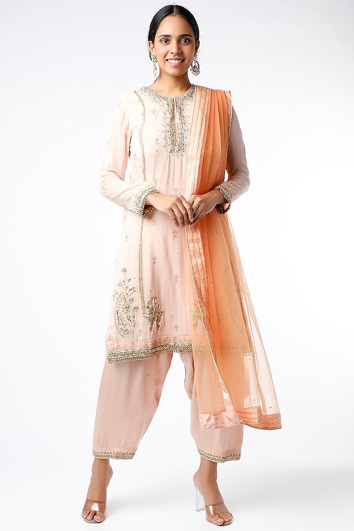 Blush Pink Hand Embroidered Short Kurta Set by anuradha grewal