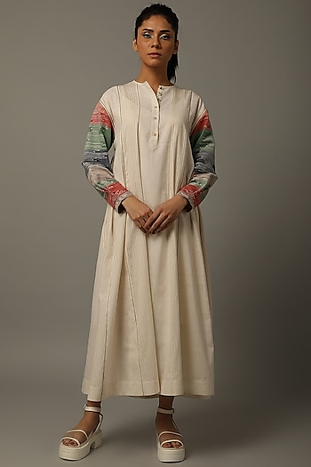 Ivory Handwoven Jamdani Tunic by AMITA GUPTA SUSTAINABLE
