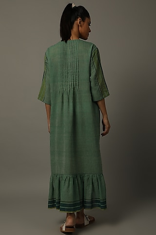Green Tiger Motif Embroidered Tunic by AMITA GUPTA SUSTAINABLE