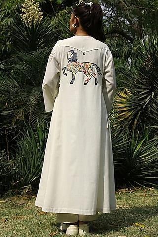 Ivory Embroidered Tunic Set by Amita Gupta Sustainable