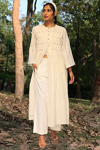 Ivory Floral Embroidered Tunic Set by Amita Gupta Sustainable