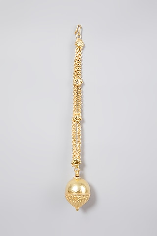 Gold Finish Maang Tikka In Sterling Silver by Aaharya