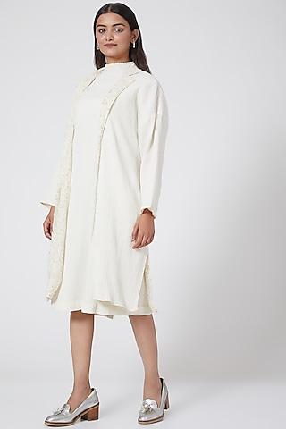 White Printed & Crinkled Jacket by Ahmev