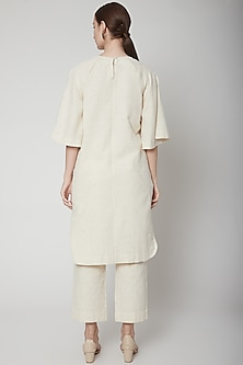 Ivory Kurta With Zari Detailing by Ahmev