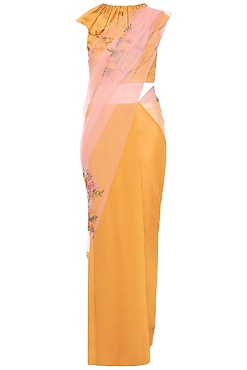 Yellow embroidered saree set by Aharin India