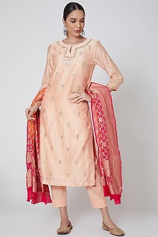 Peach & Red Embroidered Kurta Set by Anshikaa Jain