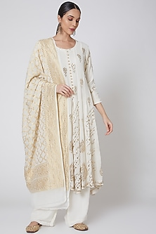 White Embroidered Anarkali Set by Anshikaa Jain