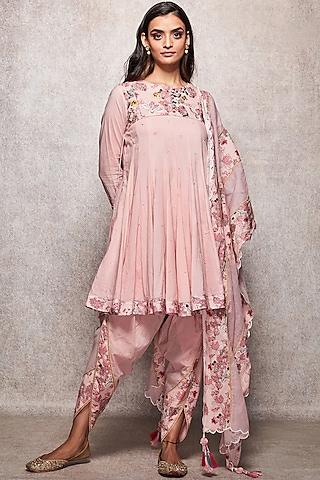 Salmon Pink Embroidered Kurta Set by Ajiesh Oberoi