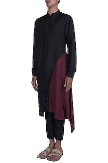 Black & Maroon Layered Kurta Set by Anju Agarwal