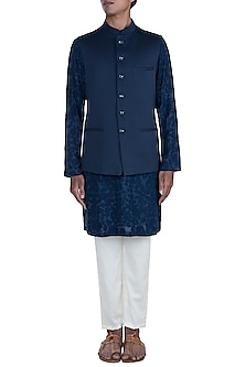 Black Embroidered Kurta Set With Textured Jacket by Anju Agarwal