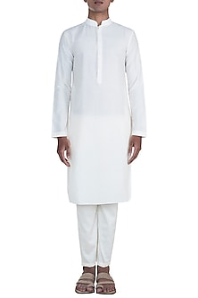Off White Cotton Silk Kurta Set by Anju Agarwal