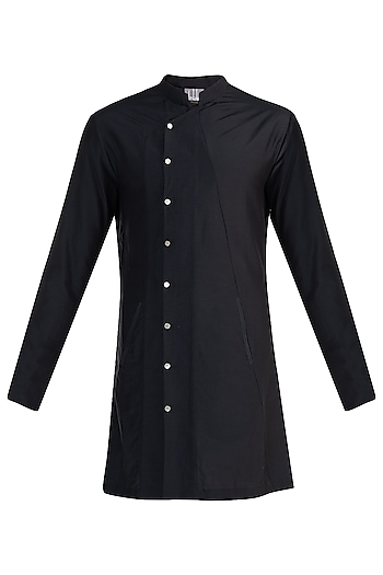 Black Structured Overlap Shirt by Rishta By Arjun Saluja Men