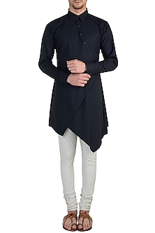 Navy blue asymmetrical shirt by Rishta by Arjun Saluja Men