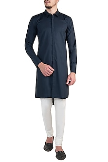 Navy Blue Asymmetrical Kurta by Rishta By Arjun Saluja Men