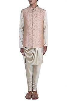 Peach Embroidered Nehru Jacket With Golden Kurta Set by Anju Agarwal