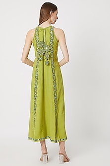 Green Kurta With Embroidered Pants by Akashi