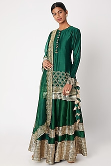 Emerald Green Embroidered Kurta Set by Aksh