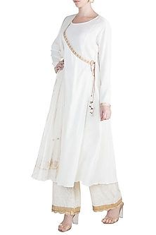 White Embroidered Angrakha Kurta Set by Alkaline by Alka Suman