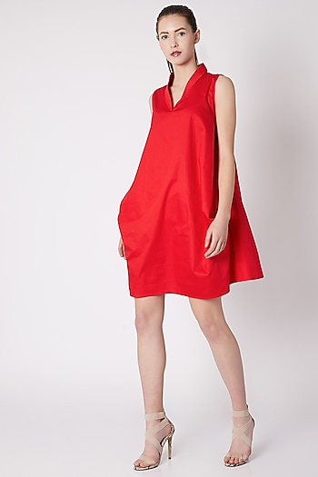 Red Double Pocket Sleeveless Dress by ALIGNE