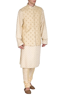 Beige Kurta Set With Embroidered Bundi Jacket by Amaare