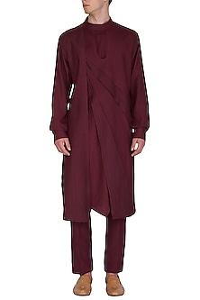 Maroon Printed & Textured Kurta Set by Amaare