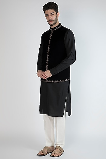 Black Embroidered Jacket With Kurta Set by Amaare
