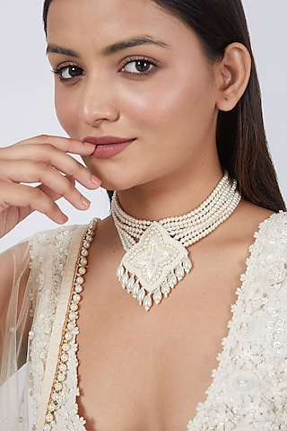 White Hand Embroidered Choker Necklace by AMAMA