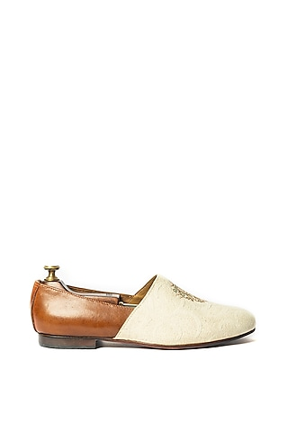 Off White & Burnt Tan Stone Washed & Embroidered Juttis by ARTIMEN