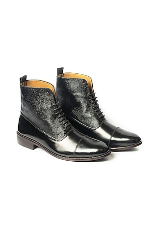 Black Leather Handcrafted Oxford Shoes by ARTIMEN